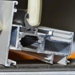 NTORJUNTAS es una fantástico invento que facilita la introducir gomas en todo tipo de perfiles de aluminio y madera.